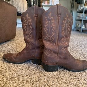 Ariat Heritage Cowgirl Boots 9.5